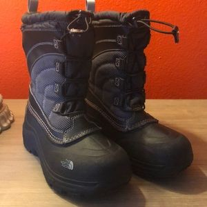 Winter boots/snow boots by North face